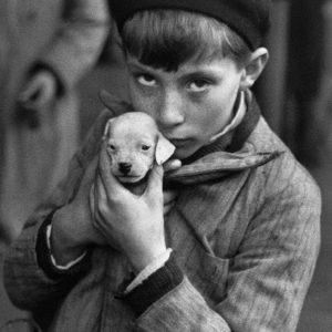 André Kertész - Il cagnolino - Parigi 1928
